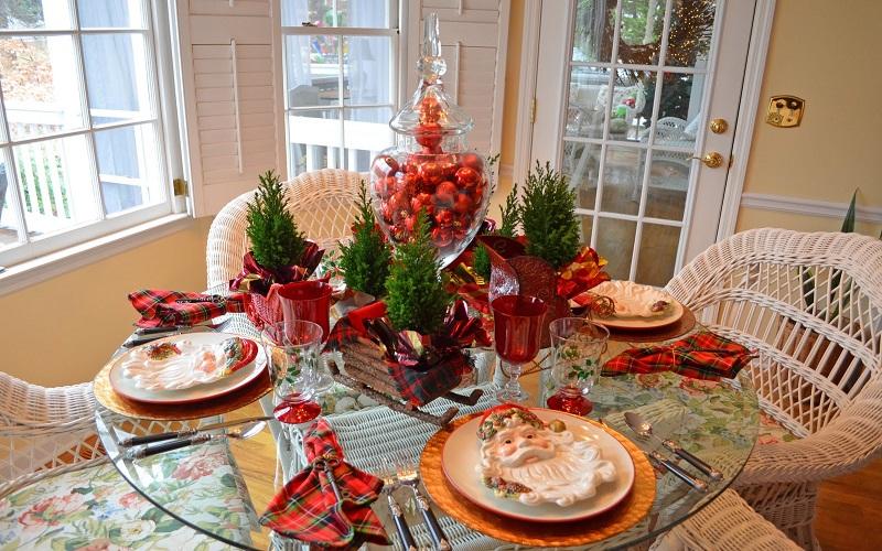 discover celebrate Christmas
