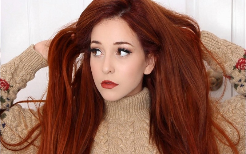 the makeup with hair color