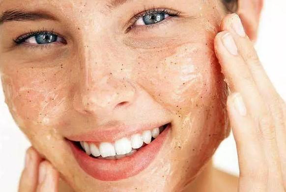 Honey face mask for spots