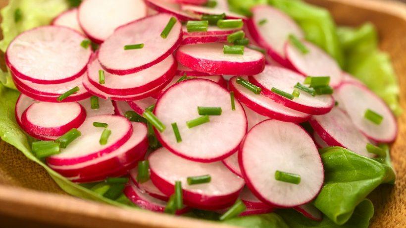 Radish salad: easy and quick recipe